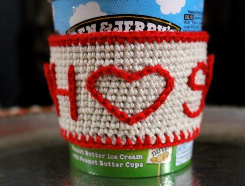 Valentine's Day Crochet Gift Ideas | Ice Cream Sleeve Free Crochet Tutorial | stellasyarnuniverse.com