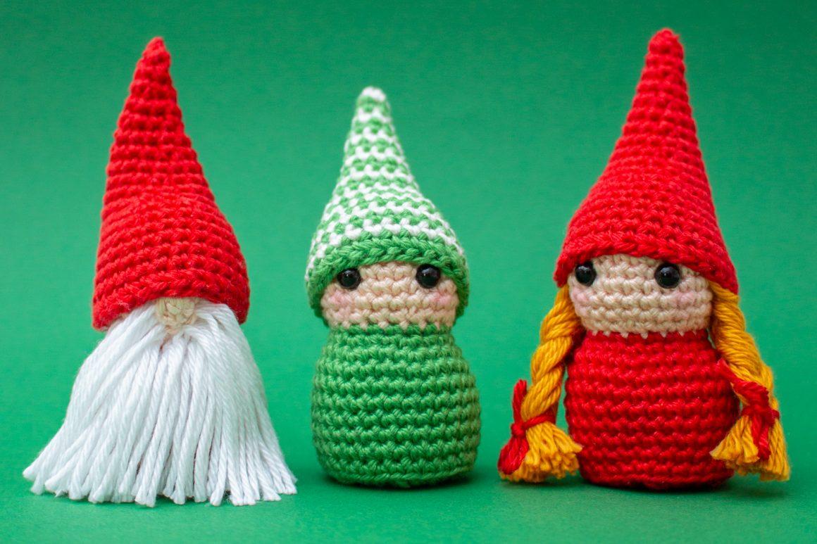 Little gnomes free crochet pattern | Christmas Amigurumi patterns | stellasyarnuniverse.com