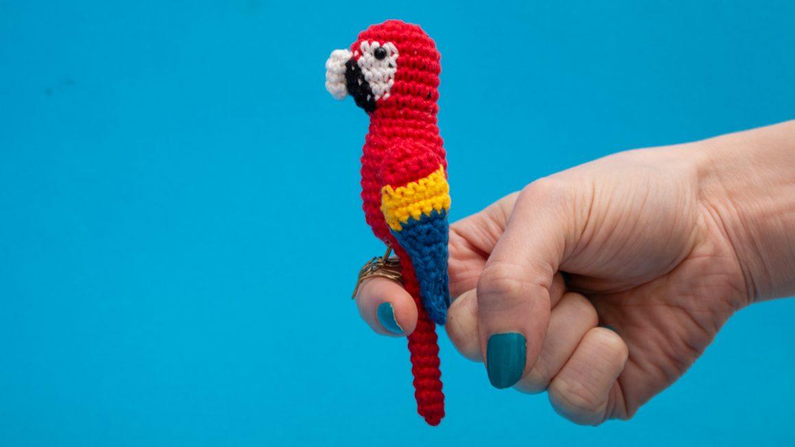 Parrot Crochet Pattern | Free Amigurumi Pattern | Crochet a Scarlet Macaw